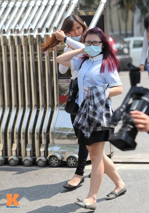 Sinh viên HN mặc quần soóc, dép lê tới giảng đường - 7