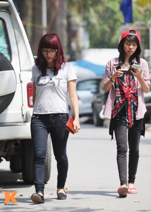 Sinh viên HN mặc quần soóc, dép lê tới giảng đường - 8