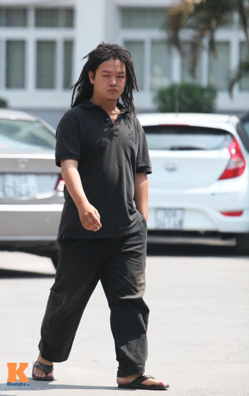 Sinh viên HN mặc quần soóc, dép lê tới giảng đường - 14