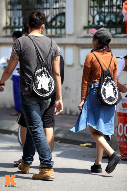 Sinh viên HN mặc quần soóc, dép lê tới giảng đường - 12