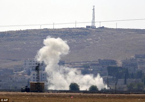 Nữ chiến binh xinh đẹp tự sát để khỏi rơi vào tay IS - 3