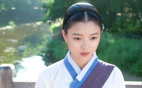 Sao nhí hot nhất xứ Hàn làm kỹ nữ - 3