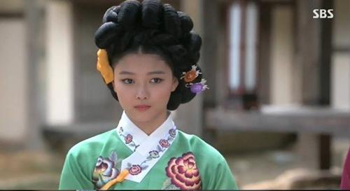 Sao nhí hot nhất xứ Hàn làm kỹ nữ - 2