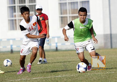 """""""Siêu tiền đạo"""" U19 Việt Nam thi triển tuyệt chiêu - 6"""