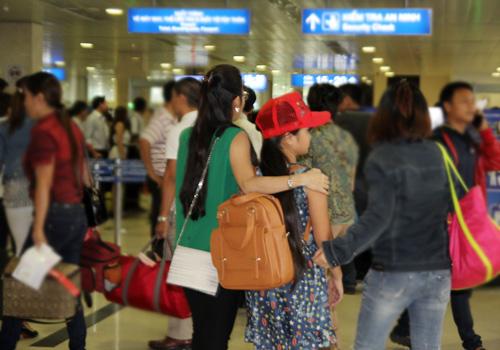 Thiện Nhân bịn rịn chia tay HLV Cẩm Ly để về Bình Định - 12