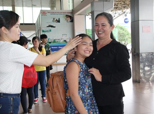 Thiện Nhân bịn rịn chia tay HLV Cẩm Ly để về Bình Định - 5