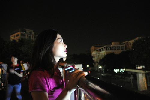 """Người Việt Nam háo hức ngắm """"trăng máu"""" - 13"""