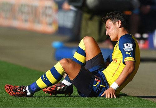Oezil nghỉ hết năm: Arsenal không cần hoảng loạn - 1
