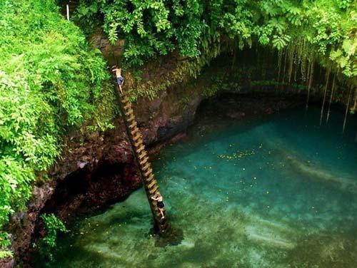 Thử cảm giác mạnh ở hồ bơi tự nhiên đẹp nhất thế giới - 3