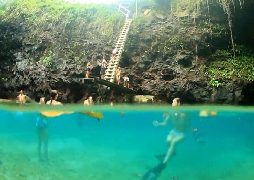 Thử cảm giác mạnh ở hồ bơi tự nhiên đẹp nhất thế giới - 9