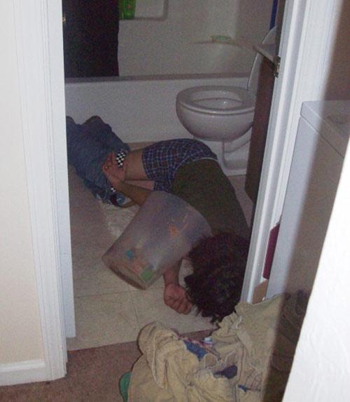 Khó đỡ với những quý ông say xỉn - 2