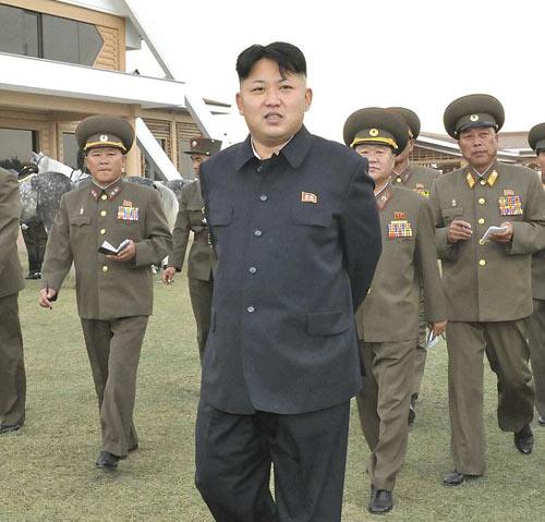 """Báo Anh: Kim Jong-un đang bị """"giam lỏng tại nhà"""" - 1"""