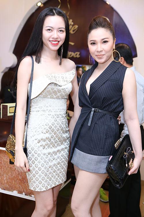 """""""Gái 2 con"""" Dương Yến Ngọc khoe trọn vai trần - 5"""