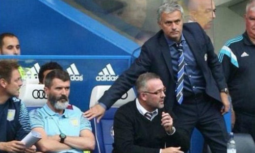 Từ chối bắt tay, Roy Keane dọa đấm gục Mourinho - 1
