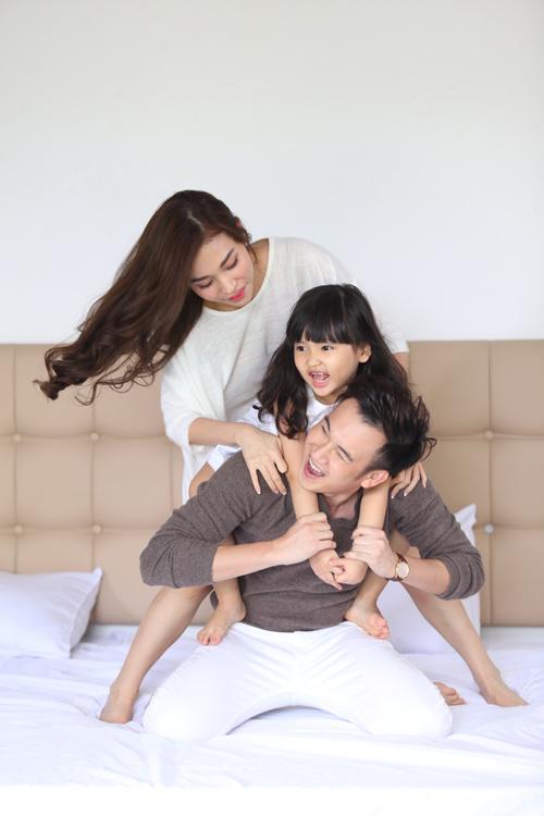 Fan tò mò với ảnh Dương Triệu Vũ tình tứ bên người cũ Trấn Thành - 3