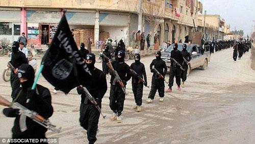 Phiến quân IS có thể dùng virus Ebola làm bom tự sát - 1