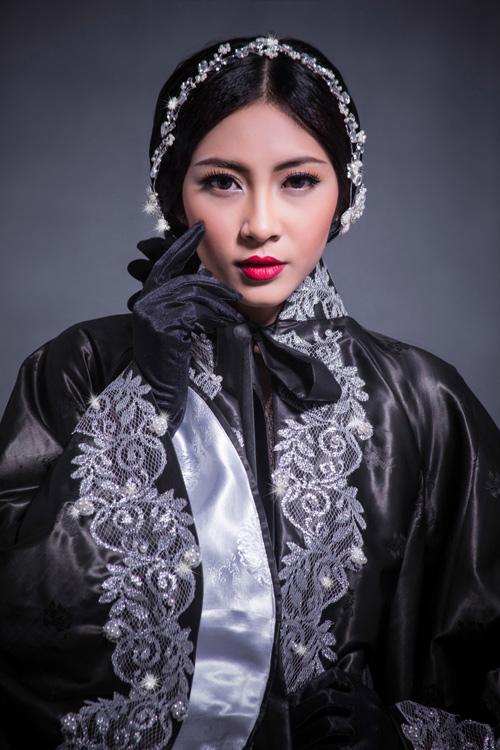 Hoa hậu Thu Thảo che ngực trần bằng hạt trai - 8
