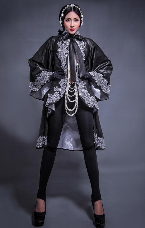 Hoa hậu Thu Thảo che ngực trần bằng hạt trai - 10