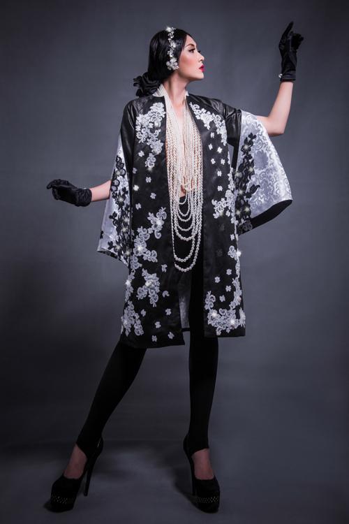 Hoa hậu Thu Thảo che ngực trần bằng hạt trai - 3