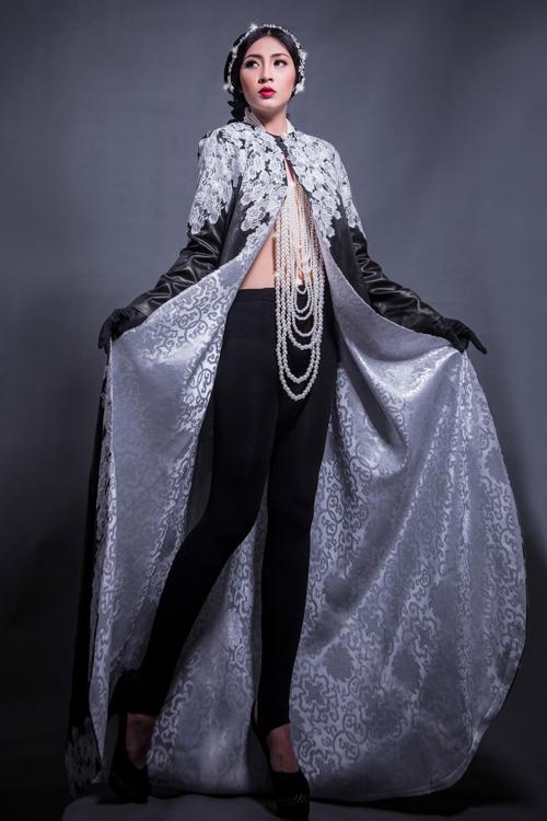 Hoa hậu Thu Thảo che ngực trần bằng hạt trai - 4