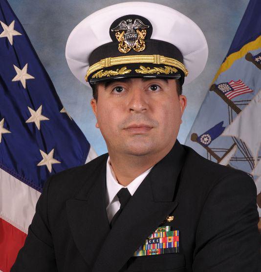 Mỹ: Hạm trưởng mất chức vì  bị tố sàm sỡ phụ nữ - 1