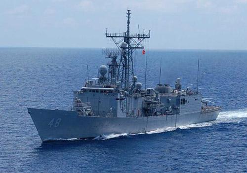 Mỹ: Hạm trưởng mất chức vì  bị tố sàm sỡ phụ nữ - 2