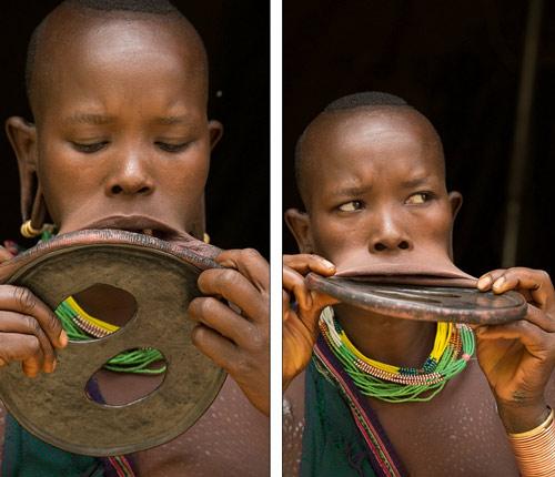 Sốc với cô gái đeo chiếc đĩa rộng 20cm trên môi - 4