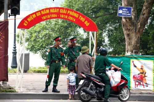 Hà Nội: Hàng nghìn giàn pháo hoa đã sẵn sàng - 12