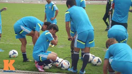 """U19 Nhật trước trận gặp U19 VN: Áp lực """"ngàn cân"""" - 4"""