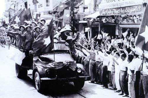 Ngắm những khoảnh khắc đẹp về Hà Nội qua 60 năm - 2