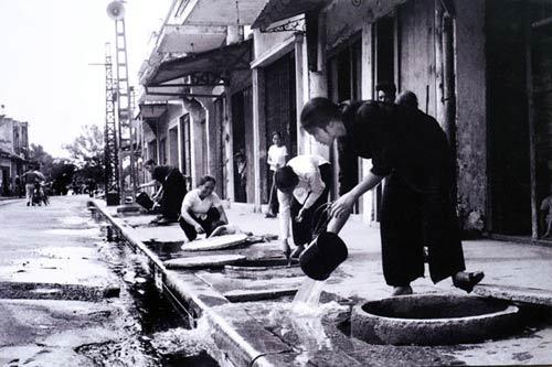 Ngắm những khoảnh khắc đẹp về Hà Nội qua 60 năm - 3