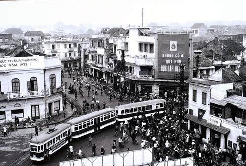 Ngắm những khoảnh khắc đẹp về Hà Nội qua 60 năm - 4