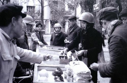 Ngắm những khoảnh khắc đẹp về Hà Nội qua 60 năm - 5