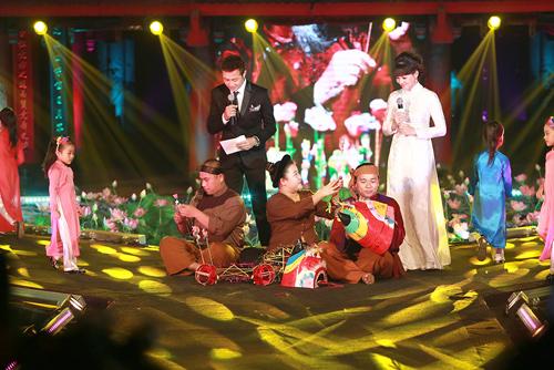 MC Diễm Quỳnh đẹp ngỡ ngàng bên Anh Tuấn - 3
