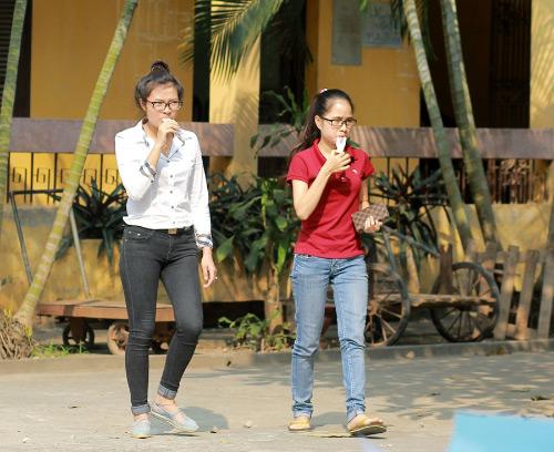 Sinh viên HN mặc quần soóc, dép lê tới giảng đường - 17
