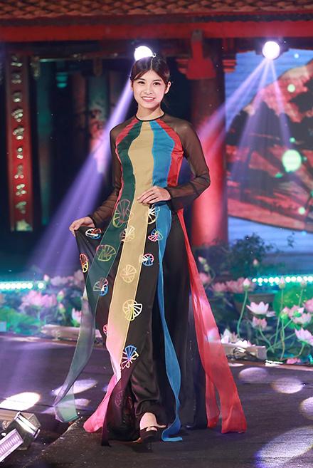 MC Diễm Quỳnh đẹp ngỡ ngàng bên Anh Tuấn - 7