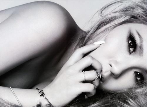 Những bức ảnh ngực trần nghệ thuật nhất Kbiz - 13