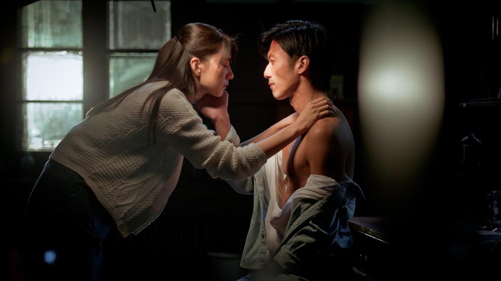 """Phim """"nóng"""" của Tạ Đình Phong hốt bạc tháng 9 - 11"""
