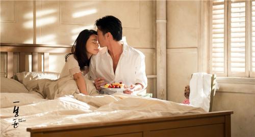 """Phim """"nóng"""" của Tạ Đình Phong hốt bạc tháng 9 - 5"""