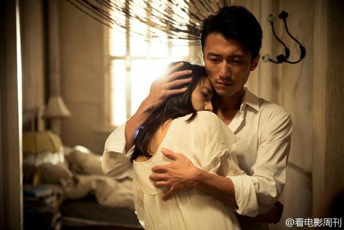 """Phim """"nóng"""" của Tạ Đình Phong hốt bạc tháng 9 - 8"""