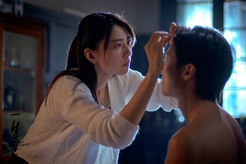 """Phim """"nóng"""" của Tạ Đình Phong hốt bạc tháng 9 - 9"""