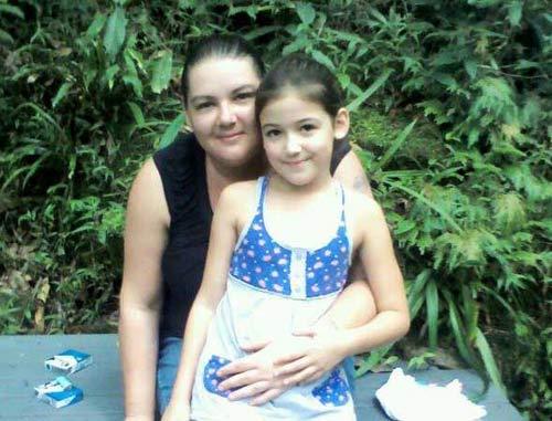 Úc: Cô gái sống sót 17 ngày trong rừng nhờ ăn côn trùng - 2