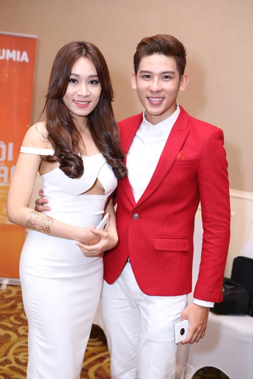 Jennifer Phạm thử sức ca hát tại Cặp đôi hoàn hảo - 5