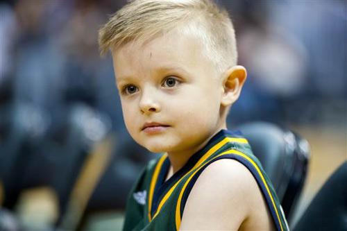 Em bé 5 tuổi bị bệnh bạch cầu & cú ném rổ đặc biệt - 5