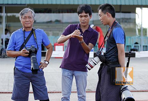 """Phóng viên Trung Quốc """"cải trang, do thám"""" U19 Việt Nam - 1"""