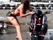 Clip chị em và những tai nạn siêu hài