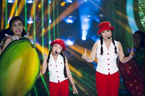 """Bố con Minh Thuận khiến khán giả """"cười nghiêng ngả"""" - 10"""