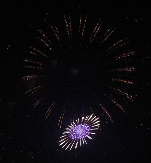 Pháo hoa rực sáng trên bầu trời Thủ đô - 21