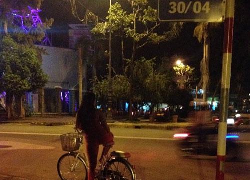 """""""Bướm đêm"""" giữa trung tâm thành phố - 2"""