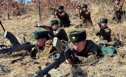 Hàn-Triều đấu súng máy hạng nặng ở biên giới - 3